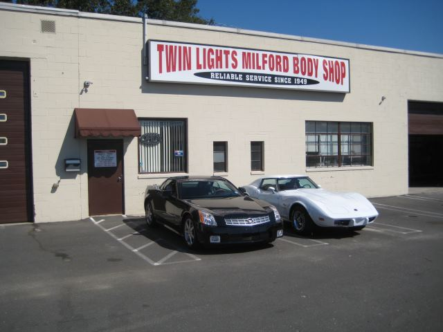 Click Here to go to Twin-Lights.com for all your Non-Emergency Vehicle Repair Needs.